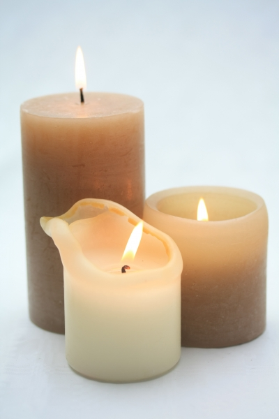 782054-group-candles